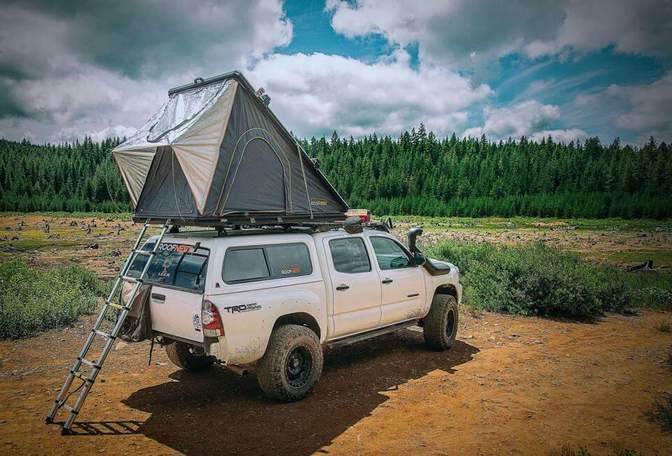 popup tent on top vehicle