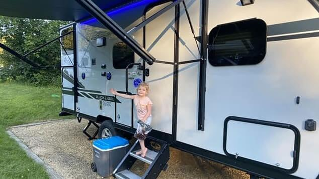 buying a travel trailer